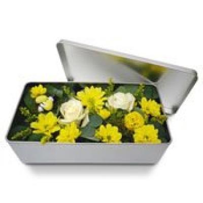 Original fleurs fraiches en boite clat de printemps for Bouquet de fleurs dans une boite