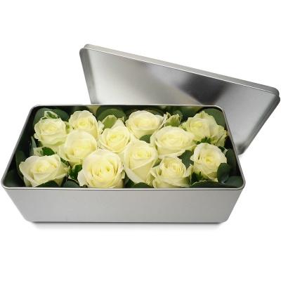 Bouquet de roses en boite l gance de roses blanches for Bouquet de fleurs dans une boite